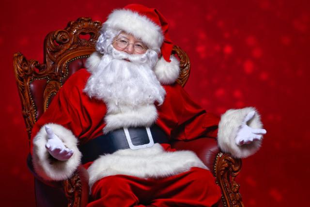 Visit Santa at Country Roads Family Fun Farm - Stotts City, MO