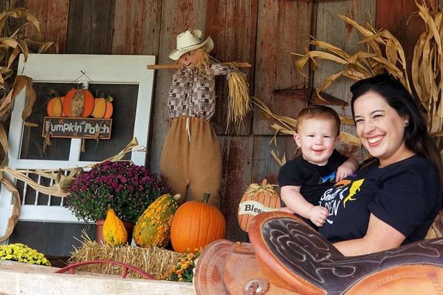 Fall Decor at Country Roads - Stotts City, MO